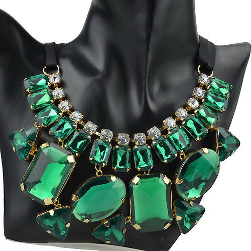 green statment necklace AVS LMUW