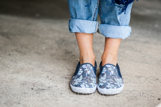 May avs lmuw bandau sweatshirt slip on trainers birkenstoks sandals -0123