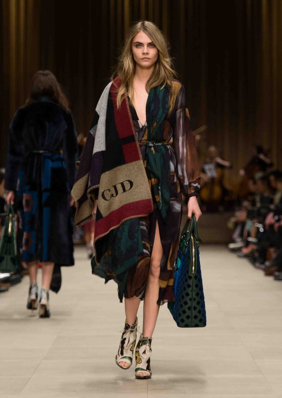 Burberry-Prorsum-Womenswear-Autumn_Winter-2014-Look-51_LMUW_AVS
