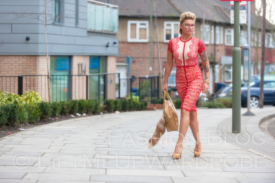 missguided SATSUKO LACE DRESS RED Christian Louboutin BAG charm FUR timberland 14-  bloggers zara studio red sole-0005