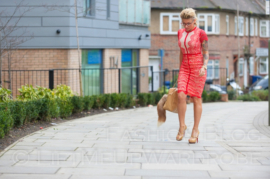 missguided SATSUKO LACE DRESS RED Christian Louboutin BAG charm FUR timberland 14-  bloggers zara studio red sole-0013