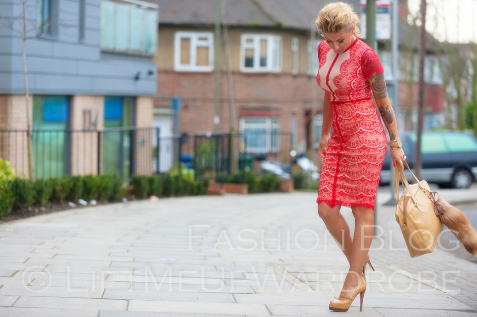 missguided SATSUKO LACE DRESS RED Christian Louboutin BAG charm FUR timberland 14-  bloggers zara studio red sole-0028